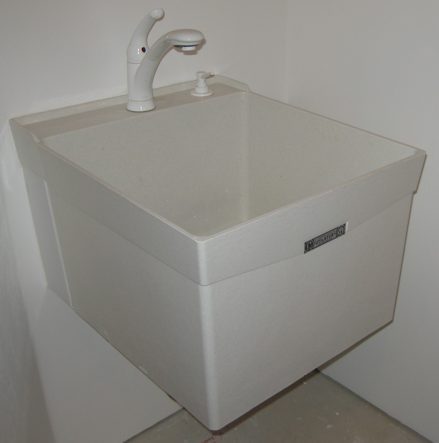 Laundry Basin Sink : Laundry Sinks